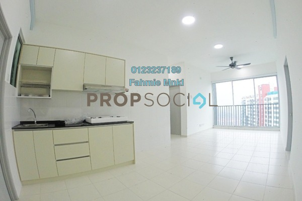 For Sale Serviced Residence at The Zizz, Damansara Damai Leasehold Semi Furnished 3R/2B 445k