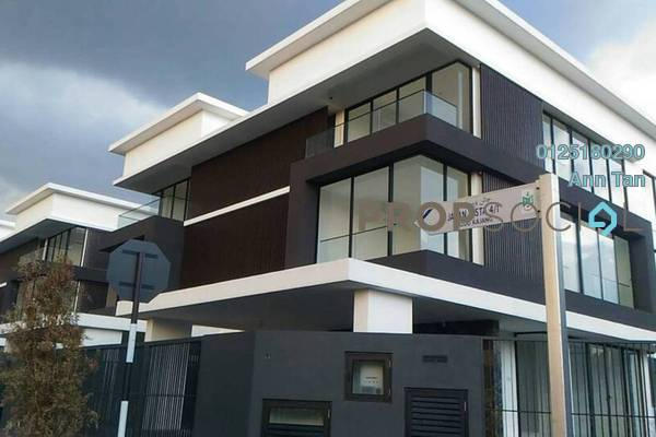 For Sale Semi-Detached at Cheras Vista, Bandar Mahkota Cheras Freehold Semi Furnished 5R/6B 2.33m