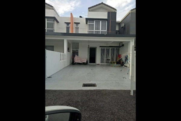 For Sale Terrace at Cherry, HillPark Freehold Semi Furnished 4R/4B 620k