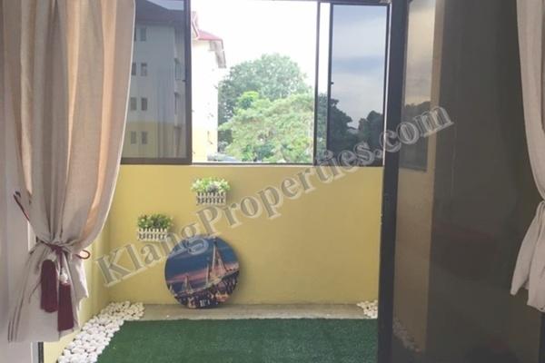 For Sale Apartment at Taman Bayu Perdana, Klang Freehold Semi Furnished 3R/2B 285k