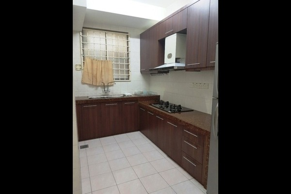 For Rent Apartment at Sri Cassia, Bandar Puteri Puchong Freehold Semi Furnished 3R/2B 1.2k