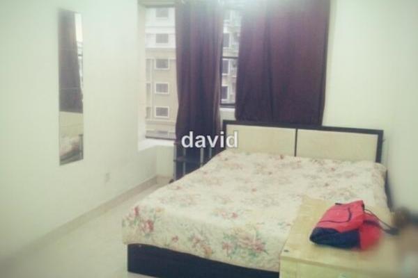 For Rent Condominium at Pelangi Utama, Bandar Utama Leasehold Semi Furnished 3R/2B 1.8k