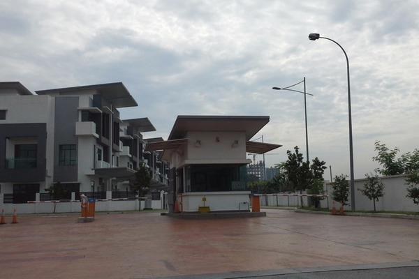 For Sale Terrace at USJ One Park, UEP Subang Jaya Leasehold Unfurnished 5R/2B 1.38m