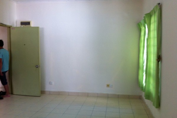 For Sale Apartment at Idaman Court, Bukit Rimau Freehold Unfurnished 3R/2B 310k