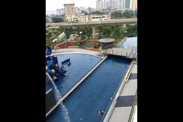 For Sale Condominium at Hijauan Saujana, Saujana Freehold Semi Furnished 3R/2B 890k