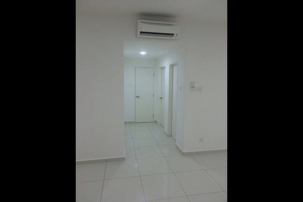 For Rent Condominium at Zeva, Bandar Putra Permai Leasehold Semi Furnished 2R/2B 1.6k