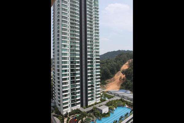 For Rent Condominium at Kiaramas Cendana, Mont Kiara Freehold Fully Furnished 4R/2B 5k