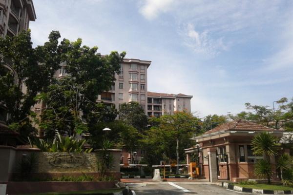Bungaraya Condominium in Saujana