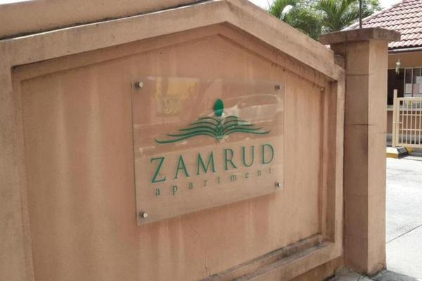 Zamrud Apartment's cover picture