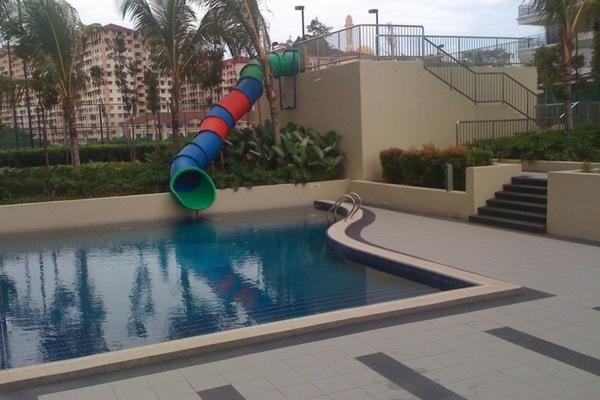 Children pool   water slide small