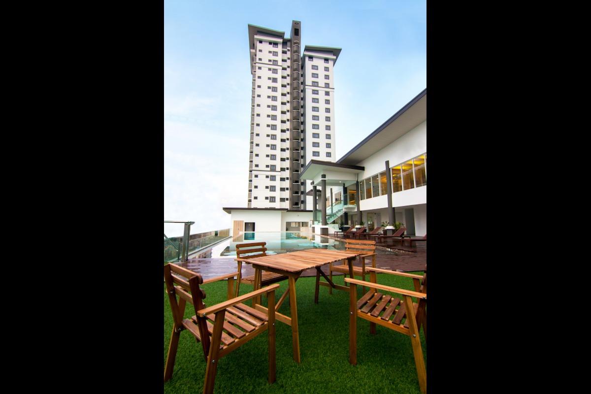 Royalle Condominium Photo Gallery 4