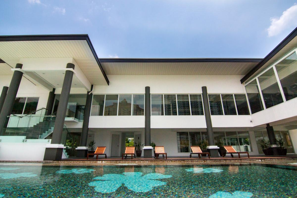 Royalle Condominium Photo Gallery 9