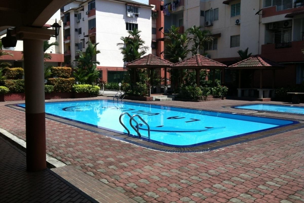 La Villas Condominium Photo Gallery 7
