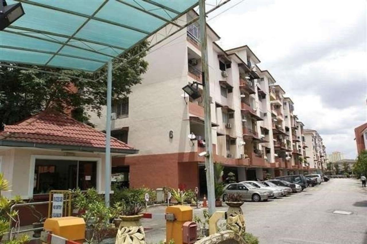 La Villas Condominium Photo Gallery 1