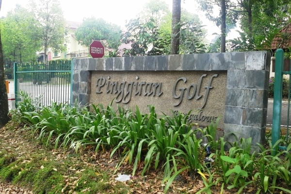 Pinggiran Golf's cover picture