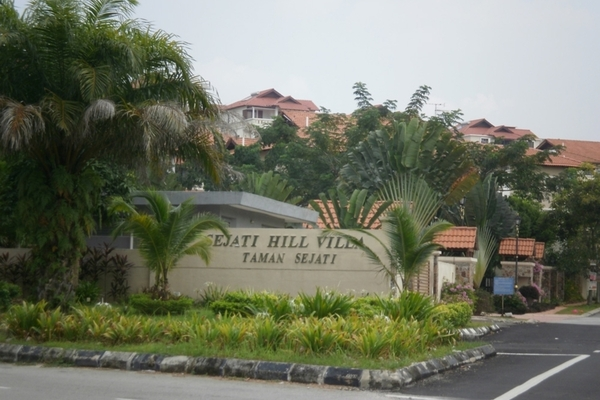 Sejati Hill Villa in Bandar Sungai Long