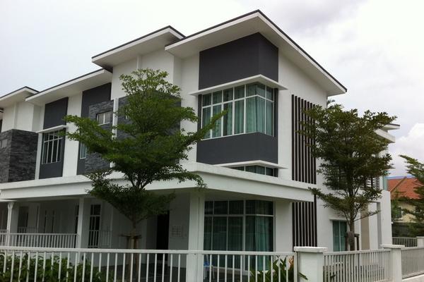 Taman Bukit Serdang in Seri Kembangan