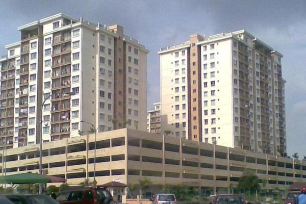 Selayang Heights Apartment in Selayang Heights