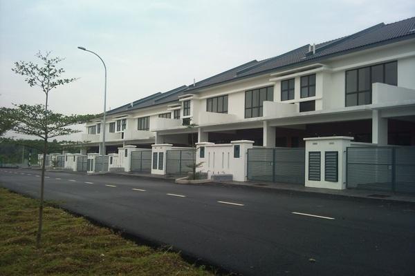 D'Eleganza in Bandar Damai Perdana