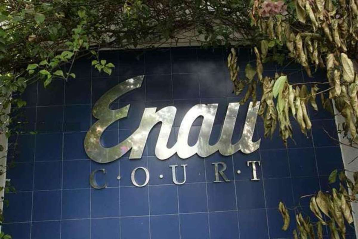 Enau Court Photo Gallery 1