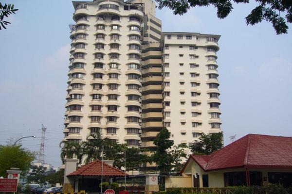 Menara Polo's cover picture