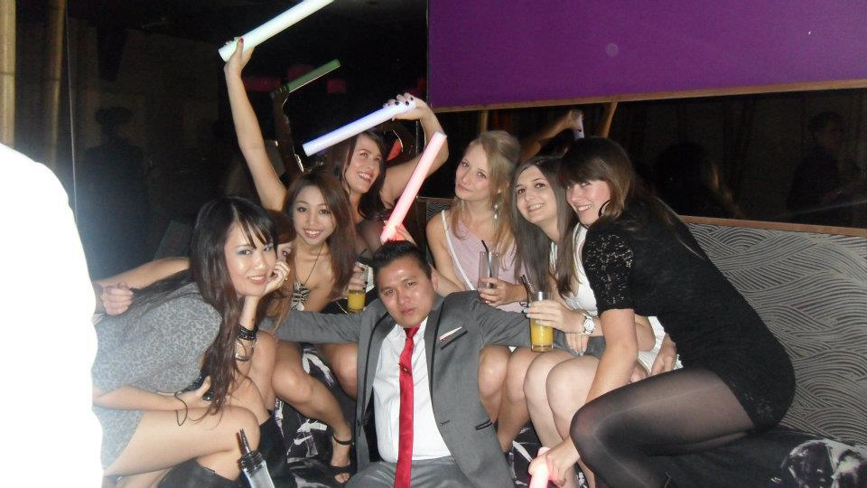 Asian playboy pua does china white in london uk