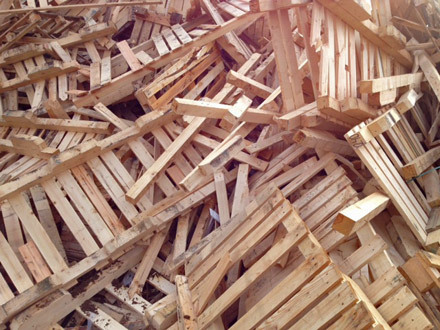 Pallet wood recycling large