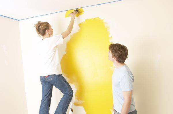 Couple painting large