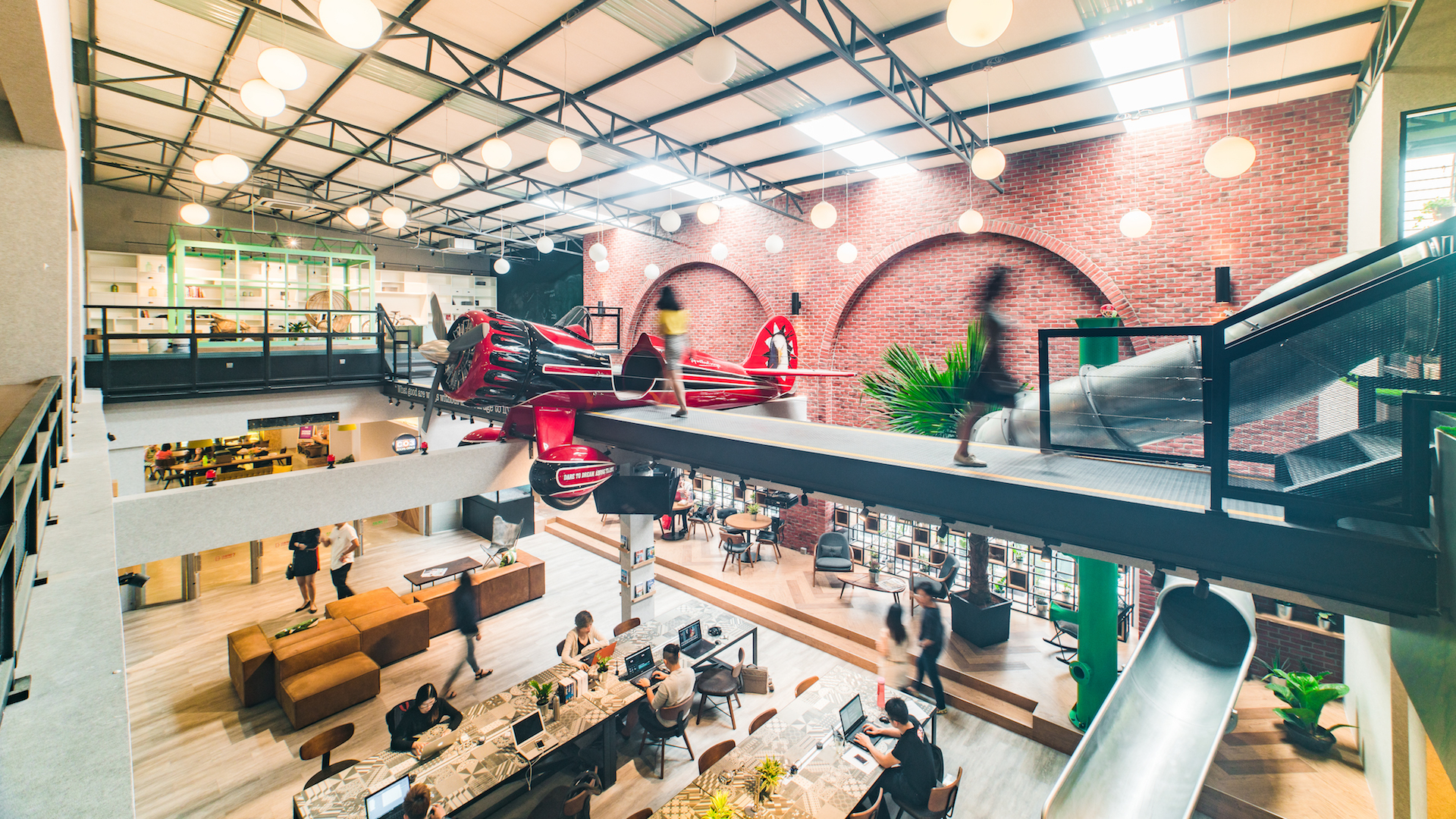 6 reasons why you should work in a coworking space 5