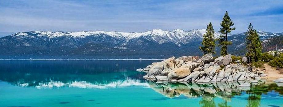 Danau Tahoe, Amerika Serikat.jpg