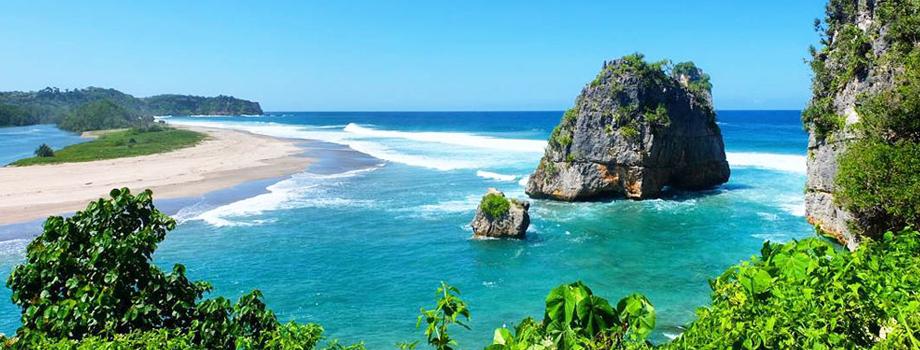 Pantai Watu Maladong.jpg