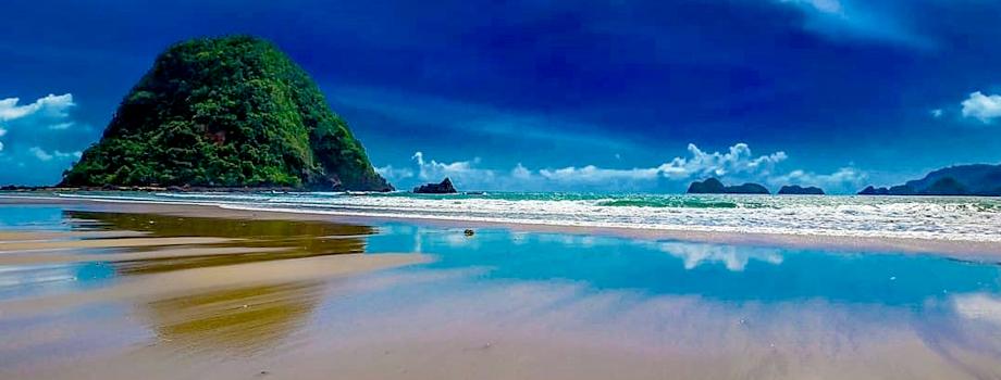 Pantai Pulau Merah.jpg
