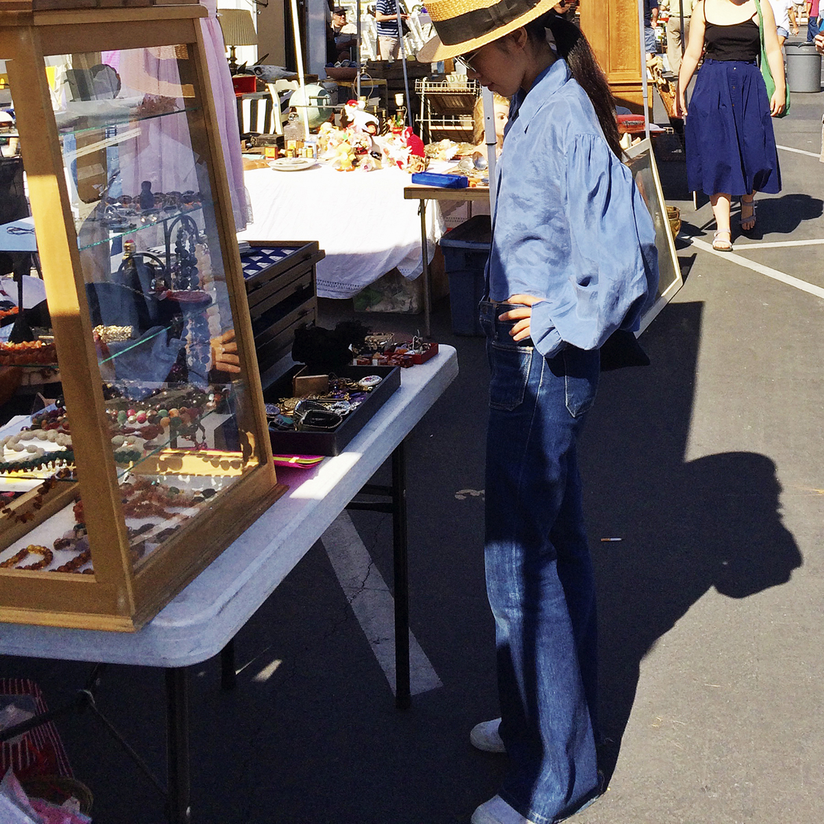 long-beach-antique-market-california-usa-2