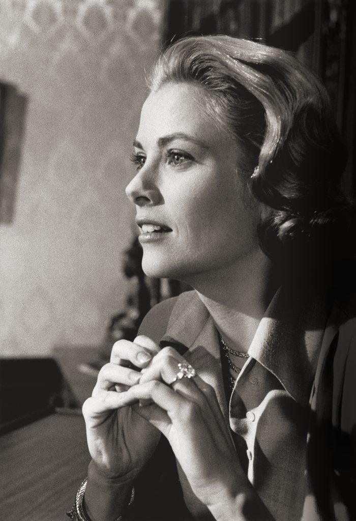 Grace Kelly wears her Cartier engagement ring in High Society.