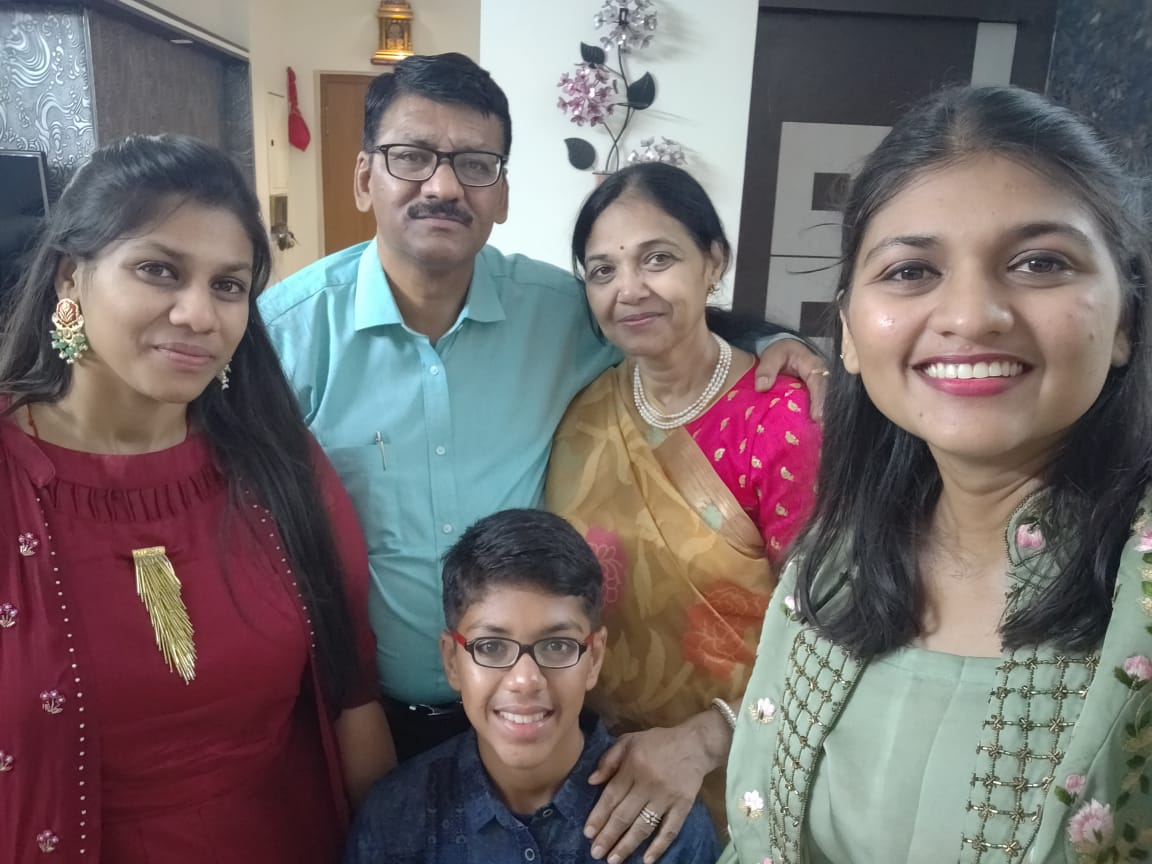BYJU'S Student Pranshu with his family in Tamil Nadu