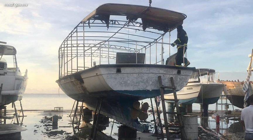 Boat in Thilafushi boatyard burns down in fire