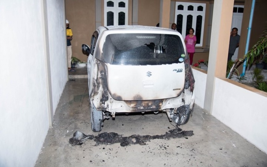 3 cars torched in Addu City
