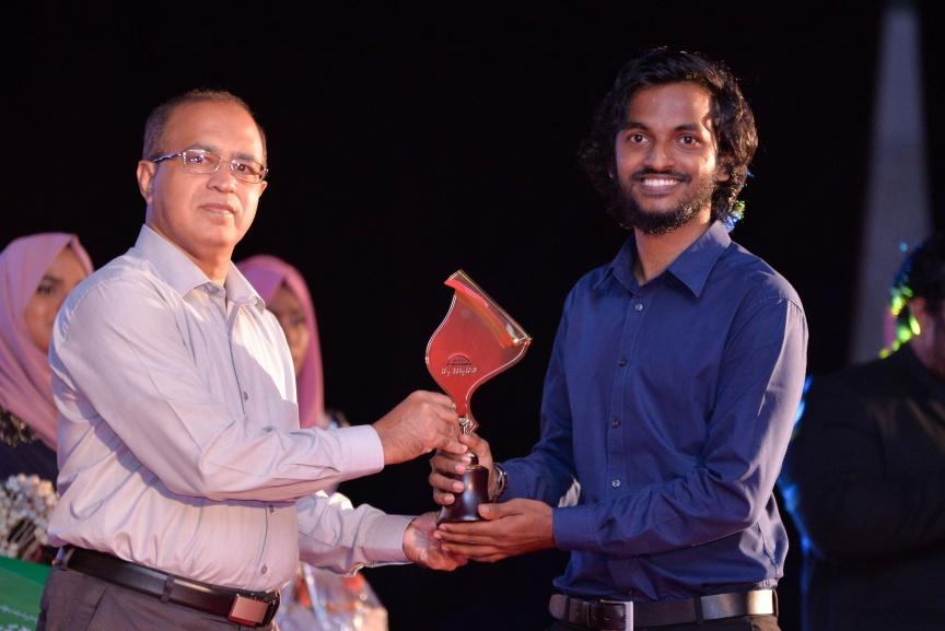 Media awards go to Sun, Mihaaru, V and Avas