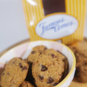 famous amos (2)