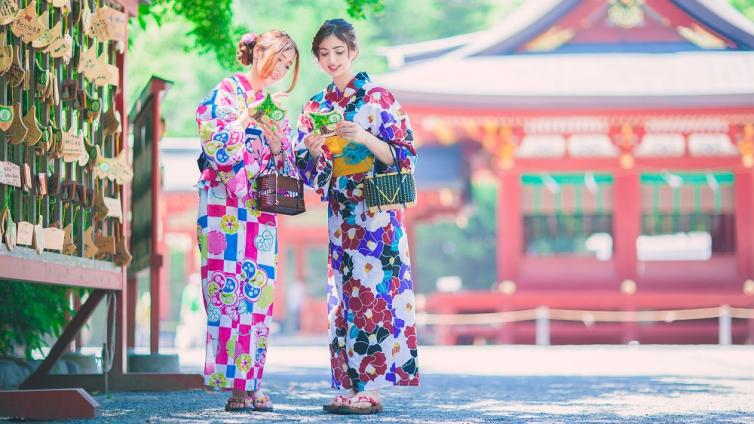 〈Up to about 6 hours Activity〉Let's Wear Kimono and Enjoy Sightseeing in Fukuoka Hakata station