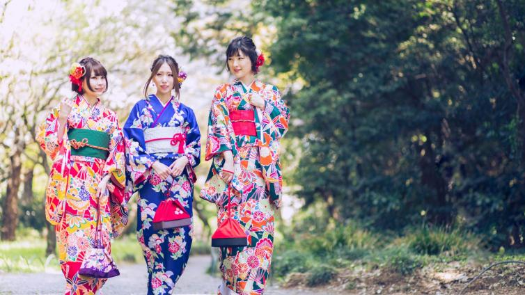 〈Up to about 6 hours Activity〉Let's Wear Kimono and Enjoy Sightseeing in Osaka
