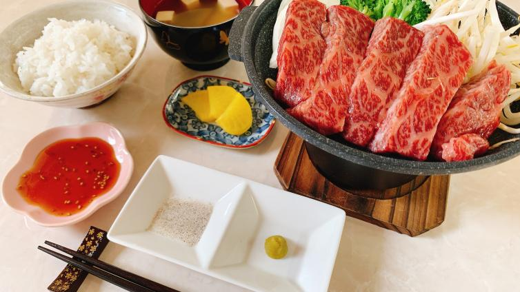 〈1Day Tour〉Mt. Fuji  & Gotemba Outlets with Japanese Wagyu beef Lunch