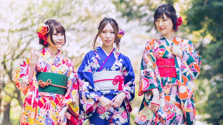 〈Up to about 6 hours Activity〉Let's Wear Kimono and Enjoy Sightseeing in Shinjuku!!