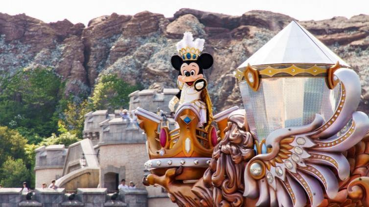 〈2Days〉Tokyo Disney Land and Sea  2-Day Passport +  SIC Round Trip Transfers