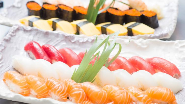 <About 1.5 hours Activity>Let's Learn How To Make Sushi in Tsukiji(all-you-can-eat course)