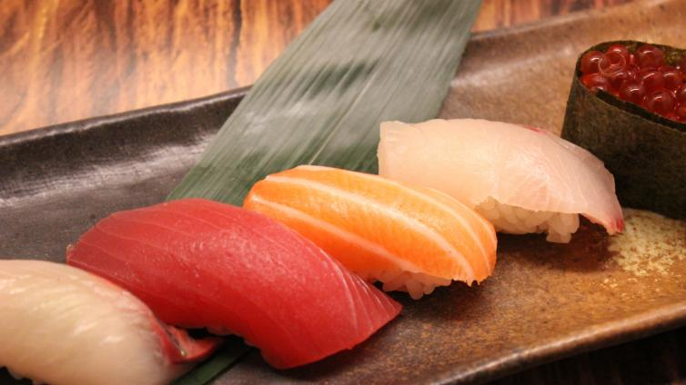 〈About 1.5 hour Activity〉Let's Learn How To Make Sushi enjoy class in Tokyo Asakusa
