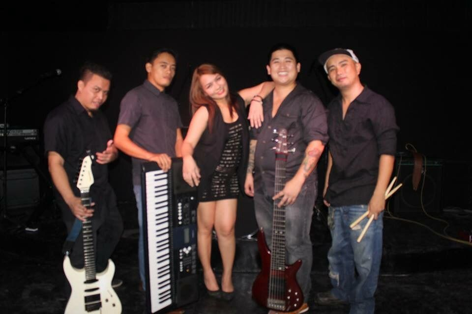 1_blackittie_band_picture
