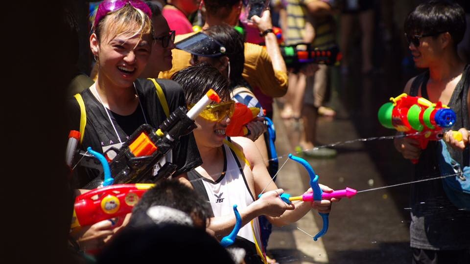 Over 84 Percent Of People Want Revelers To Wear Traditional Costumes During Songkran Nida Poll