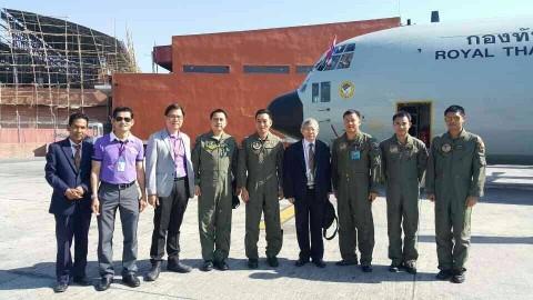 เครื่องบิน C-130 ขนสิ่งของพระราชทานจากสมเด็จพระเทพฯ ถึงเนปาลแล้ว