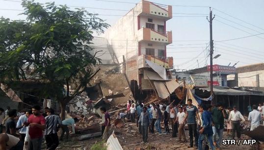 แก๊สระเบิดในร้านอาหารที่อินเดีย อาคารพังถล่มยับ เสียชีวิตอย่างน้อย 20 คน